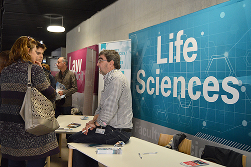 Professor informing visitors during Open Day on Belval Campus, © Université du Luxembourg